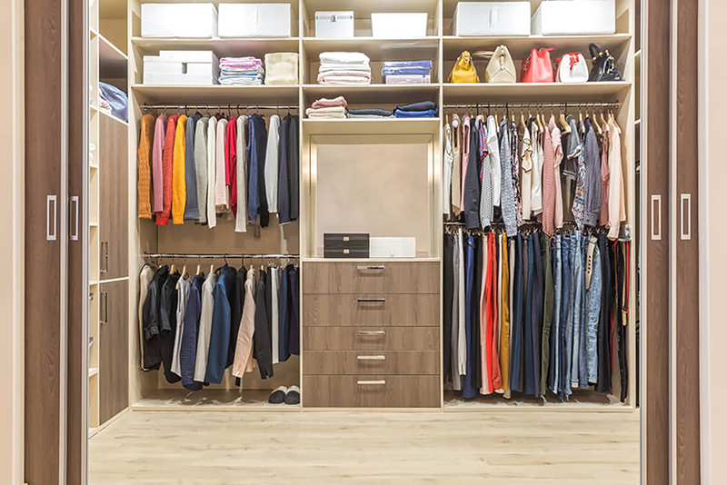 Walk-in Closets Drawers Shelving