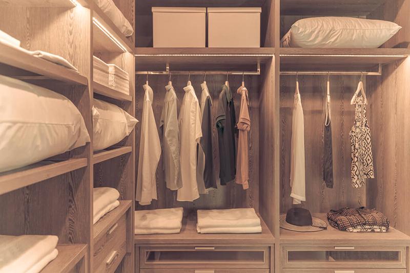 Walk in Closets Shelving